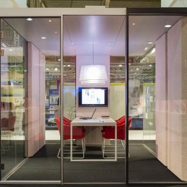 Kantoorverlichting in kantoorunit